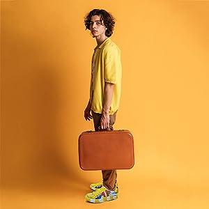 yellow sneaker skateboard shoes