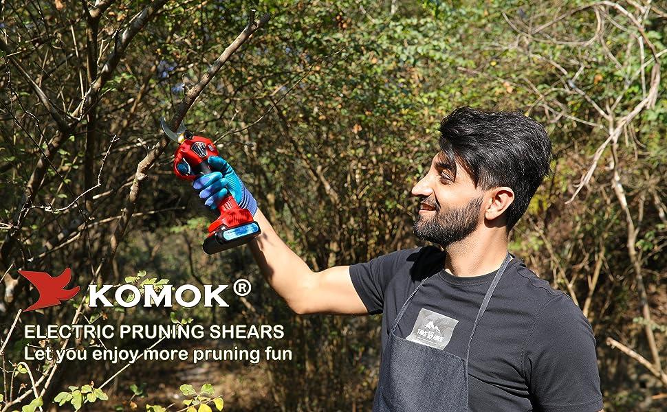 KOMOK pruning shears let you enjoy more pruning fun
