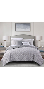 3-Grey floral printed Irving Medallion Quilt 5-Piece Quilt Set with Decorative Pillows