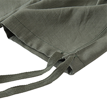 Capris features an adjustable rope lock around the cuff to keep out bugs during outdoor hiking.