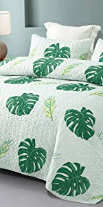 tropical palm leaves quilt set