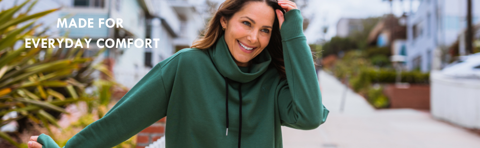 MADE FOR EVERY DAY COMFORT TRAVLEISURE GETAWAY CROPPED SWEATSHIRT SPRUCE