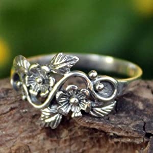 Novica,Silver,Flower,Leaf ,Band,Ring,Jewelry,For Women,Gift, Accessory,Metal, Modern,Fashion,Floral