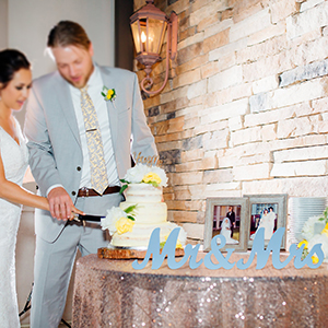 Light Blue Mr and Mrs Sweetheart Table Sign