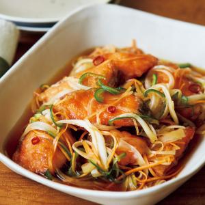から揚げ 揚げ物 魚 ころも カレー ごま すだち 漬けだれ 青魚 たつたあげ 甘酢 チリソース ねぎ塩 さっぱり ピリ辛 えびチリ風 トマトケチャップ さばの切り身 切り身 新米 ブリ 鰤 南蛮酢