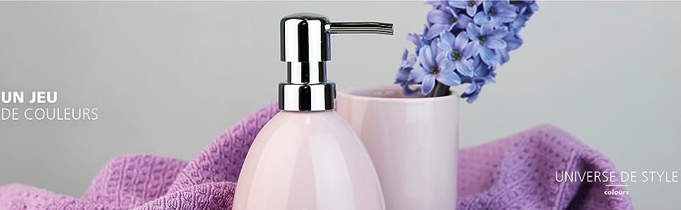 istributeurs de savon et de coupes à savon élégants, de gobelets à brosser les dents, de boîtes