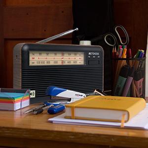 Desktop radio