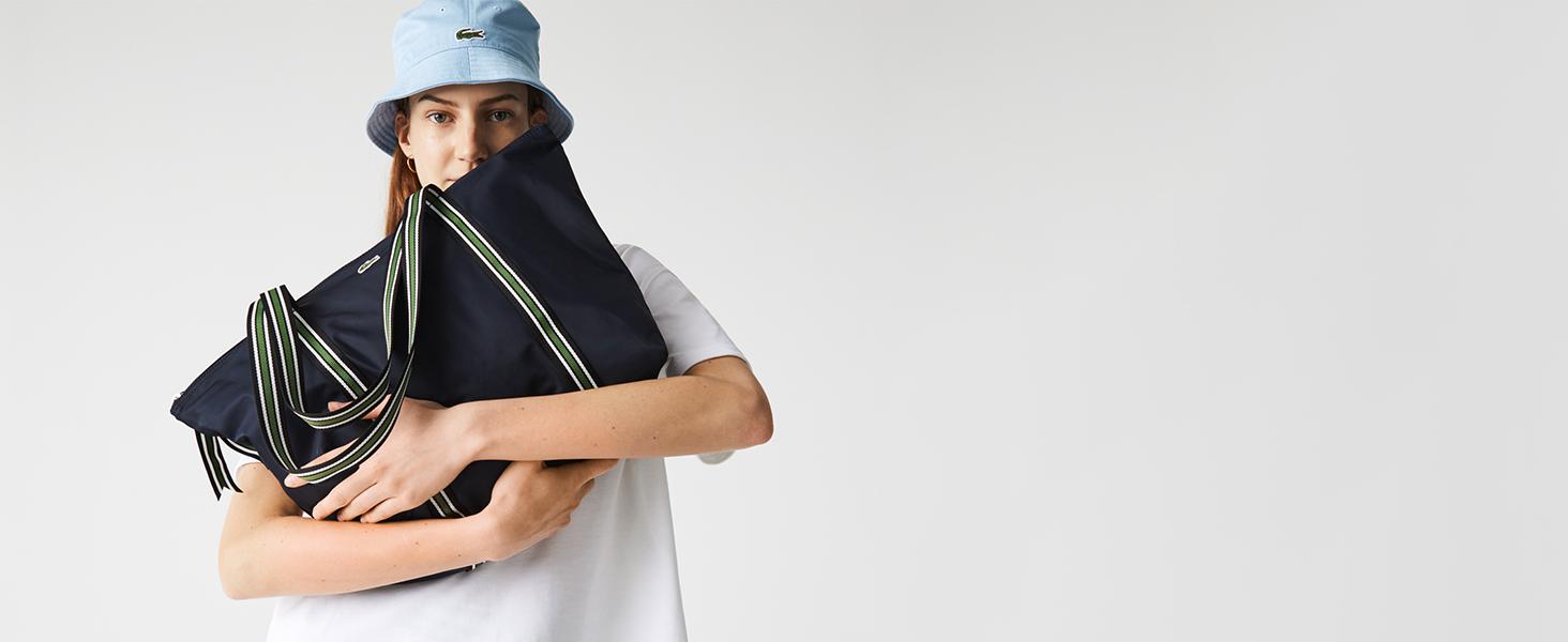 Marineblauer Shopper mit grünen Henkeln