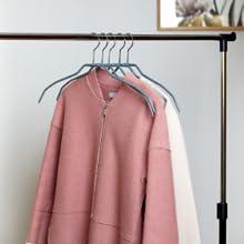 s'agisse de cintres avec revêtement antidérapant conférant à vos vêtements une adhérence