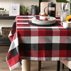Tri-Color Red Tablecloth