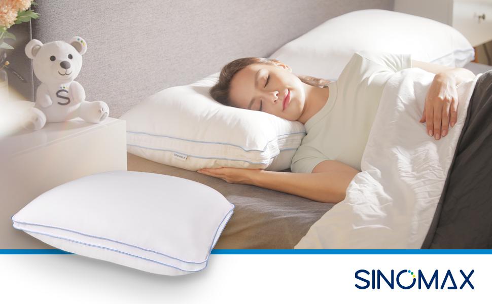 woman sleeping comfortably with Sinomax's hybrid pillow