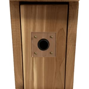 Wakefield Birdhouses come with 2 predator guards which provide protection to fledglings.