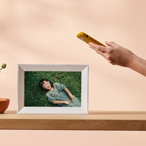 send images to your frame from anywhere in the world with the Aura app