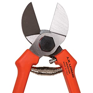 A.M. Leonard ART17 Double-Cut Hand Pruners closeup of head and spring on white background