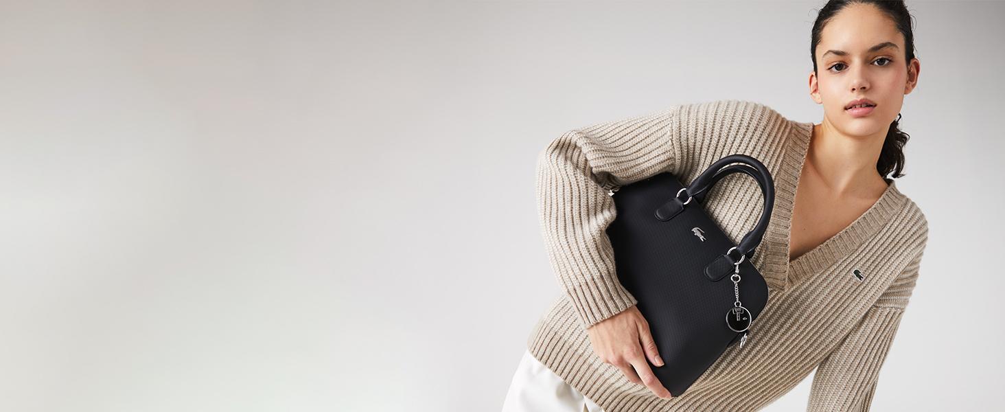 Klassische schwarze Handtasche von Lacoste