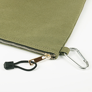 carabiner/ clip and hook