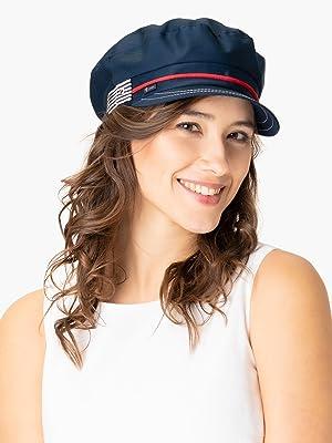 Woman wearing a Lipodo maritime bakerboy cap