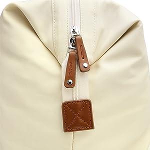 Well Made Zipper and Details