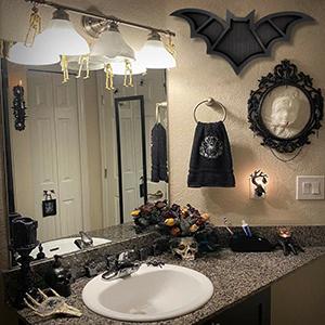bath gothic decor