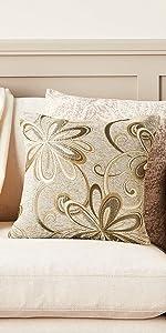 VL-Chateau-67200-Pillow-Gold