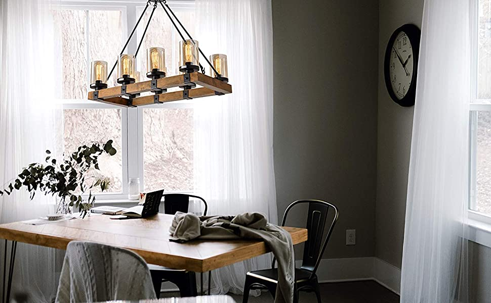 RUSTIC FARMHOUSE STYLE Features a classic iron frame