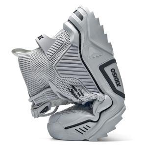 leisure sneakers