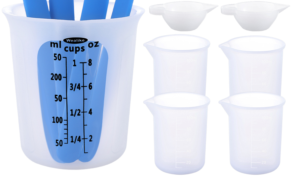 silicon measuring cups and stir stick
