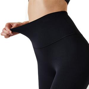 Capri yoga pants detail display