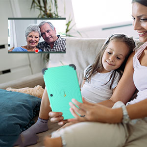 No matter when, family affection is always online