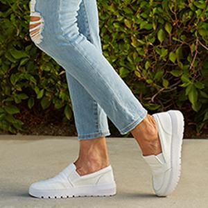 Vionic Women's Abyss Dinora Platform Slip-on Sneaker