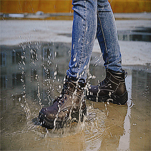 Unbreakable waterproof safety boots
