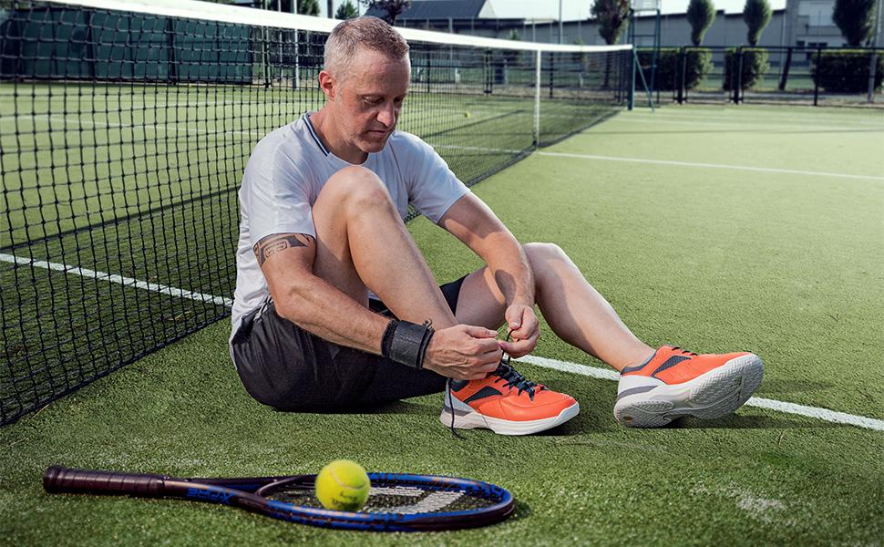Wide width tennis shoes