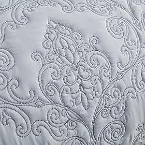 4 Piece Bedspread Set for All Season