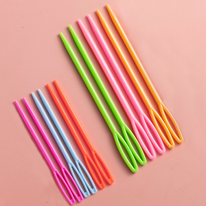 6 × Plastic sewing needle