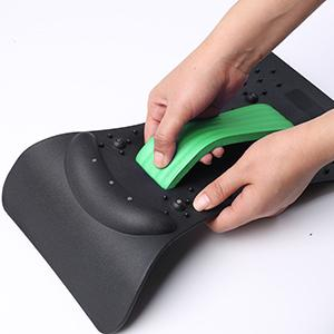 1. Insert the sponge cushion into the neck stretcher and adjust the arch point.