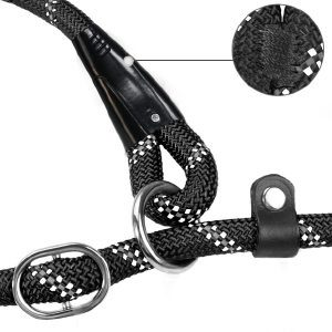 The leash is made from a durable metal steel clasp that resist everyday wear and tear