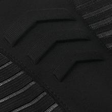 The unique fine mesh design can quickly evaporate sweat during exercise