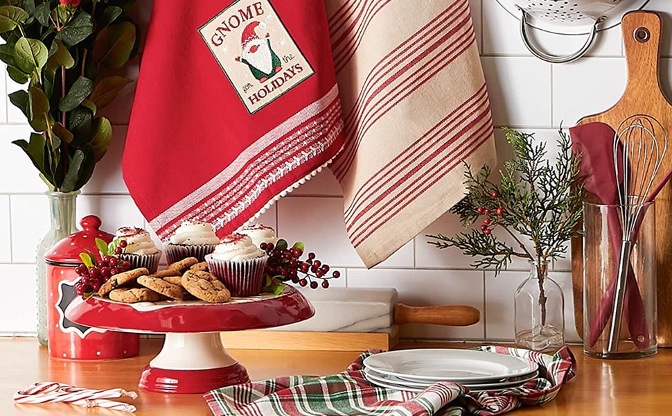 decor,holiday,table,decoration,ham,party,mistletoe,centerpiece,throw,runner,winter,plates,mantle