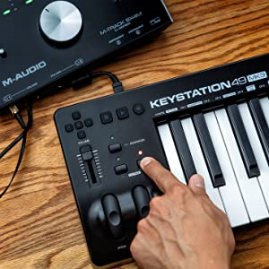 THE M-AUDIO KEYSTATION 49 MK3 CONNECTED TO THE  M-AUDIO M-TRACK BX4M