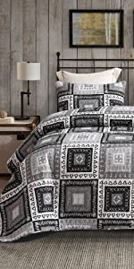Plaid Patchwork Quilt Set