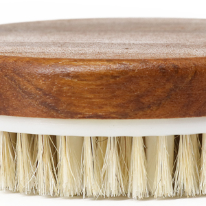 Fine polishing wooden brush