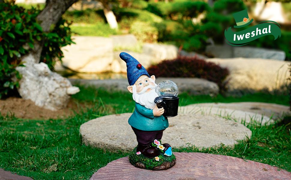 garden gnomes statues