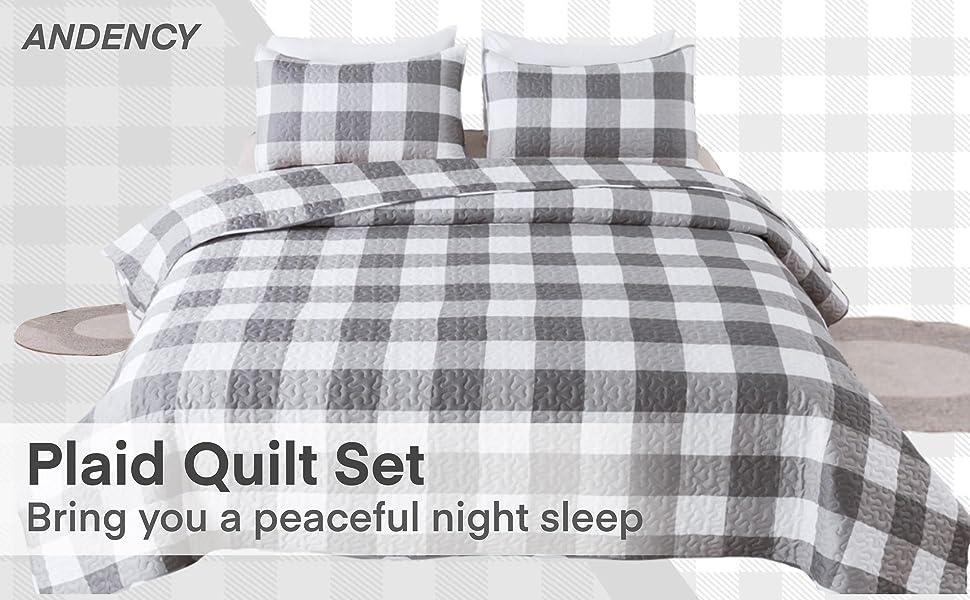 Light Gray Plaid Quilt Set
