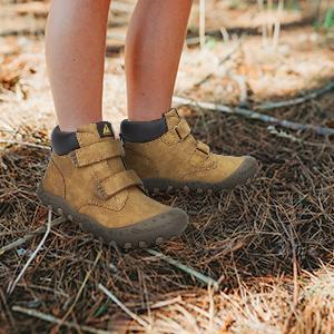 boys hike boots