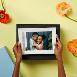 Aura frames make the perfect gift