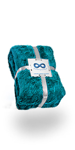 Everlasting Comfort Faux Fur Throw Blanket