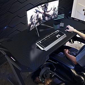 Vordern Gaming Desk at Home
