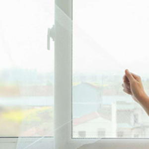Window screen can be opened and closed easily