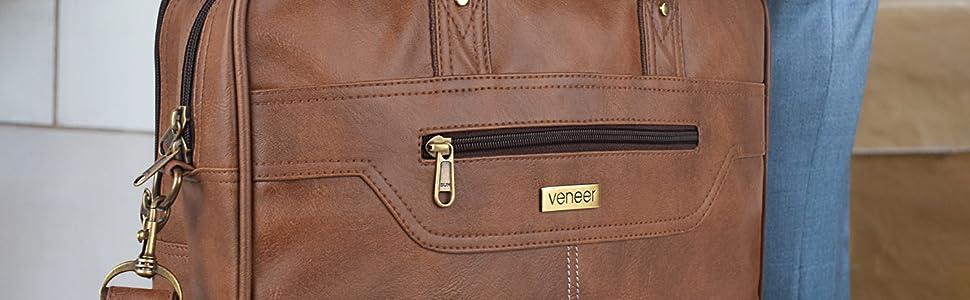 Messenger bag style