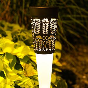 EHO solar garden lights